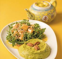 Recept van Rineke Dijkinga: Pecan avocado lunch